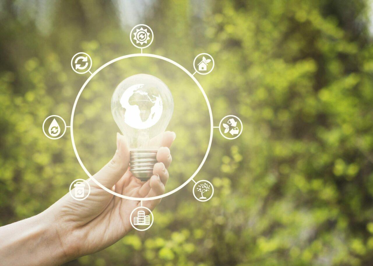 https://doradcy365.pl/wp-content/uploads/2020/10/nature-renewable-energy-concept-min-scaled-e1603038509252-1280x912.jpg