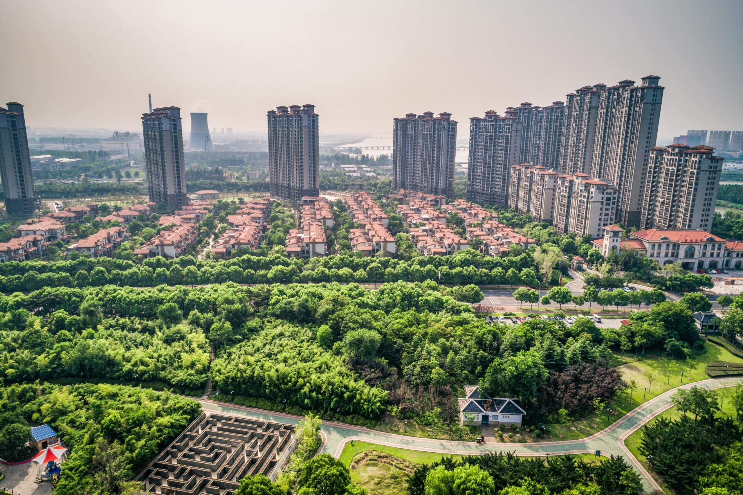 https://doradcy365.pl/wp-content/uploads/2021/02/chinese-city-min-scaled.jpg